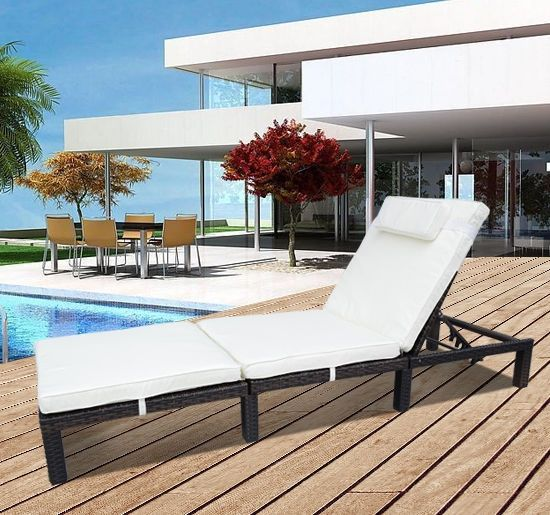 Outsunny Outdoor Rattan Sun Lounger Day Bed - Brown
