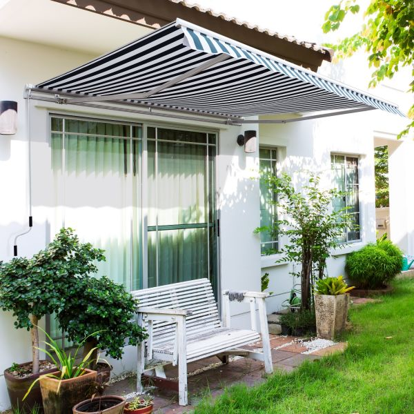 Outsunny 3m x 2.5m Manual Awning Canopy - 5 Colours